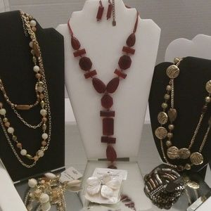 NWT BOUTIQUE QUALITY NECKLACE, EARRINGS, BRACELET